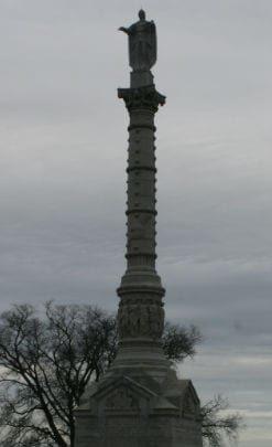 monument in Yorktown